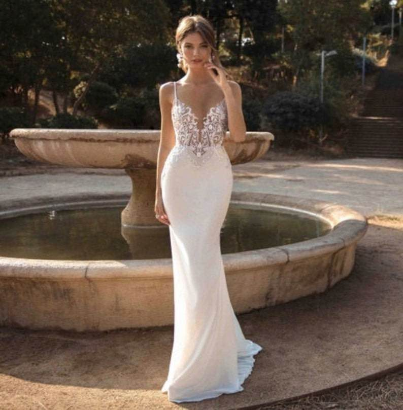 Mermaid Lace Beach Wedding Dress with Straps with Applique