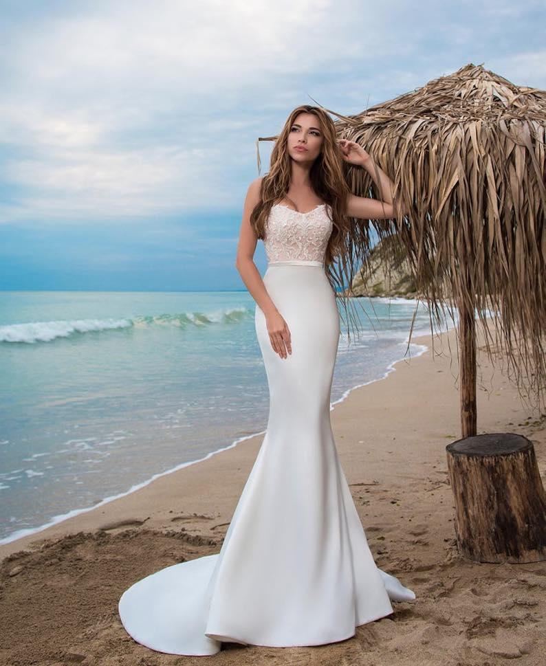 Strapless Mermaid/Trumpet Handmade Wedding Dress with Train