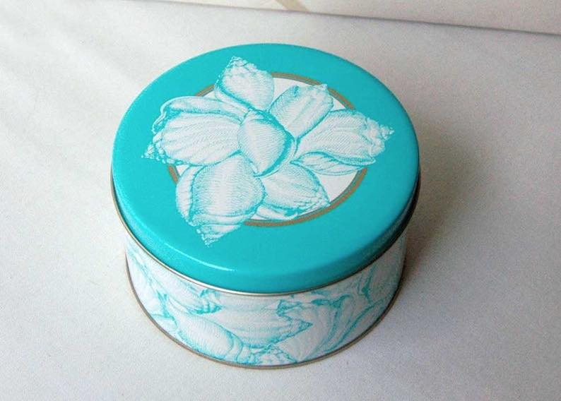 Blue Seashell Art Can