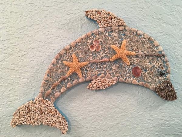 Dolphin Art: Seashell Dolphin