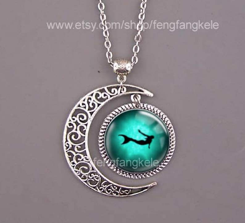 The Daughter of the Sea, Green Mermaid Pendant
