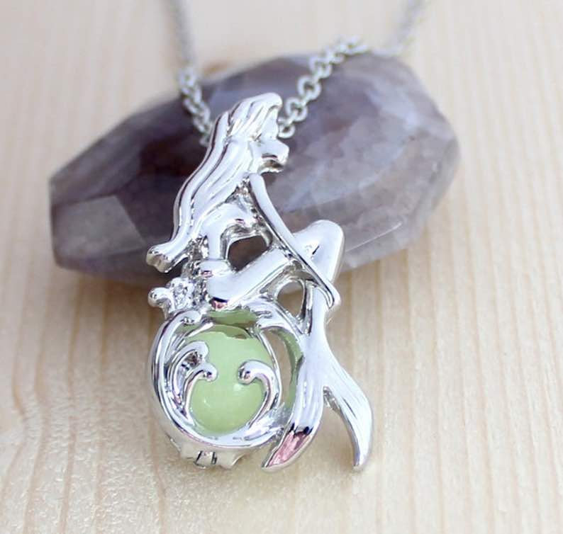 Mermaid Luminous Pendant Necklace