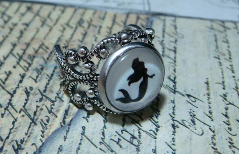 Little Mermaid Filigree Ring in Antique Silver