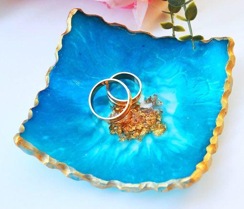 artists: Julia Kovalenko - resin sea-themed ring dish