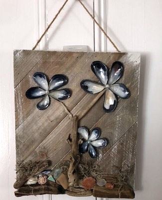 Seashell Flowers Wall Hanging